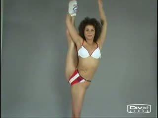 Meztelen aerobic