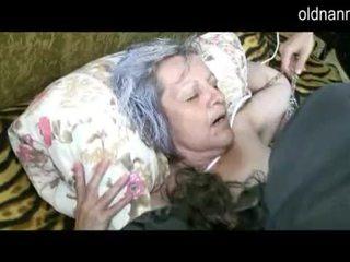 Lama nenek mendapatkan faraj licked oleh muda guy