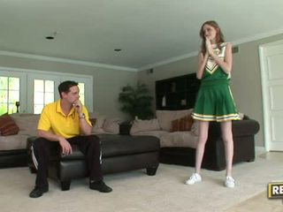 Alto cheerleader layla exx gets scopata difficile