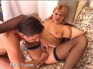 blondie babe fisted and fucked hard