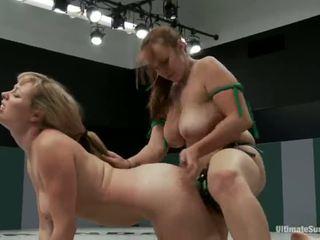 Adrianna nicole और bella rossi खेल सेक्स गेम xxx गेम साथ साथ साथ साथ साथ एक स्ट्रैपआन बजाय की रेसलिंग