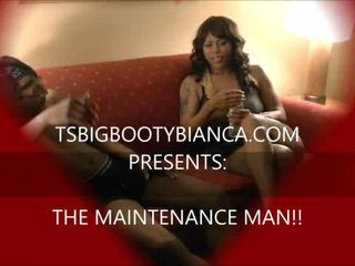 Pornstar TS big booty Bianca fucks a man