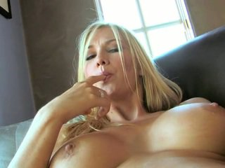gros seins, chatte rasée, big pics and big pussy