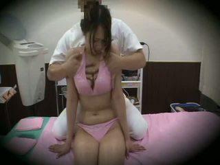 Spycam reluctant gaja massagem sexo 1