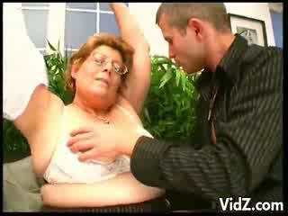 Cachonda abuelita thirsts para chavala hombre meats