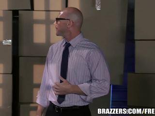 Brazzers - Jasmine is a good little sub