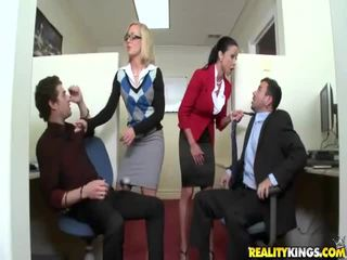 u hardcore sex vid, facesitting, kantoor