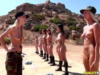 Breanne benson i jej 10 gfs w lesbijki armia