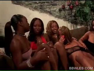 Bbw λεσβιακό tramps γαμήσι σε άγριο μαύρος/η γαμήσι από συμμορία