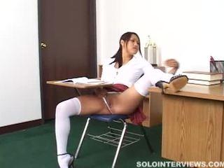 Mesum asia murid wedok masturbates in class