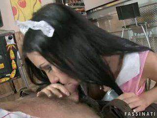 Ρωσικό ερωτικός ψάχνει sasha rose wraps αυτήν γλυκός/ιά lips γύρω ένα μεγαλύτερο κάστορας