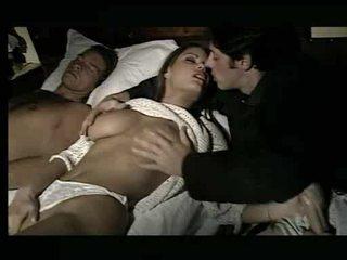 Tuyệt đẹp bé being assaulted trong giường video