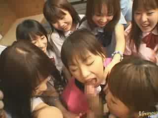 أي اليابانية يتم التصويت عليها, الفتيات راقب, على الانترنت الجيران
