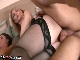 bruneta, velká prsa horký, čerstvý spodní prádlo