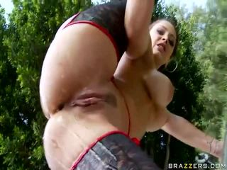 Mergaitė getting jos didelis šikna pakliuvom