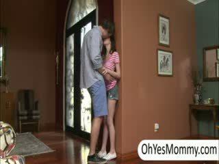 Victoria з boyfriend gets спіймана по зіпсована крок мама alexandra
