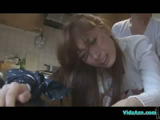 Azijietiškas mergaitė getting jos burna ir putė pakliuvom o standing sperma į šikna į the virtuvė