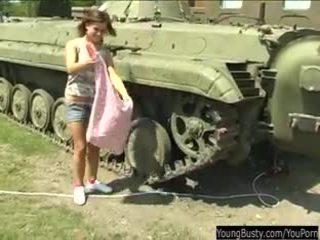 חזה גדול נוער alexa צעצוע twat ב tank