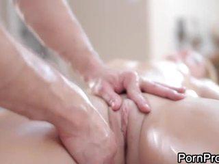 Похотлив и див масаж