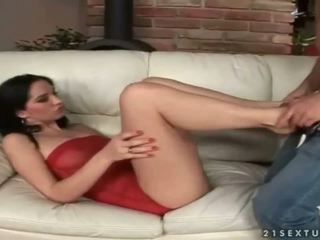 Leggy beauty leanna manis enjoys hot footsex
