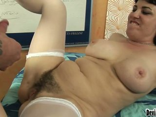 Nice Mom's Vagina Has Have Laid And Cover All Over A Sleaze Boy's Load!