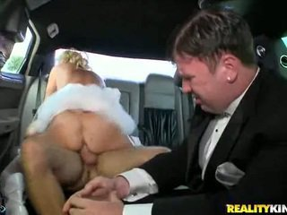 Rampant milf rides dela moist pus.