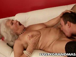 Lusty grandmas: ยาย norma โสเภณี ยังคง loves ร่วมเพศ