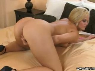Hawt Golden Haired Alexis Texas Finger Fucks Her Tight Pussy