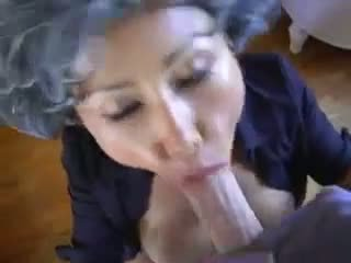 Madura asiática joven pervert