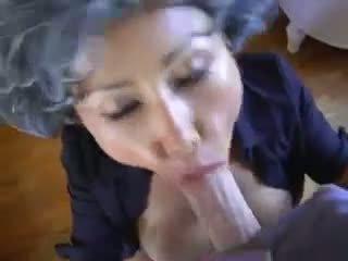 Érett ázsiai fiatal pervert
