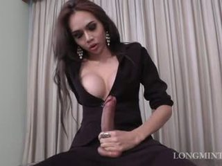 Beautiful TS sudecus with her cock