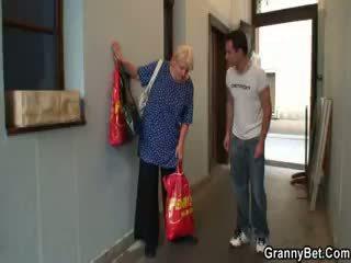 heetste oma, volwassen