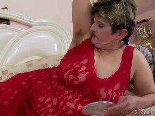 Poraščeni babi gets zajebal luštne težko