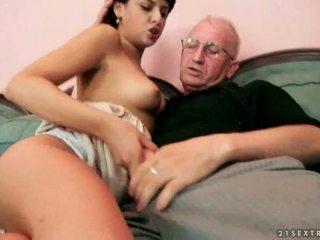 Старий farts і гаряча підлітковий вік having steamy секс