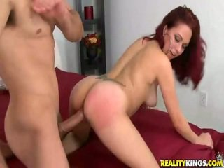 Frolicsome redhaired latine belle rrëshqitje onto the ram rod