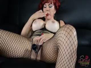 moro virkelighet, stor store bryster, ekte rødhårete stor