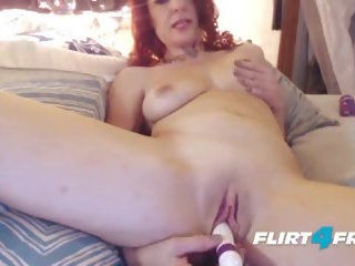 Секси милф craves squirting