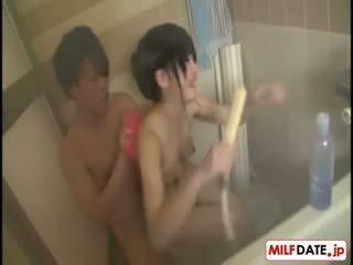 Taking bath with big emjekler ýapon eje