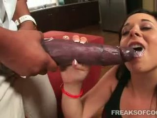 Soaked pornograpya floozy aarielle alexis stuffs kanya mouth may a halimaw titi