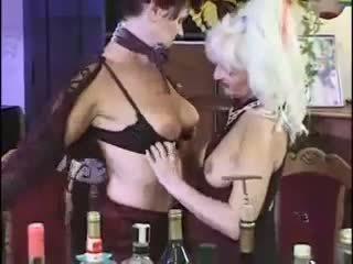 Klassiek lesbisch oma scène