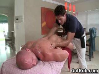근육이 lad receives 그의 벌금 tatooed 바보 엿 2 로 gotrub
