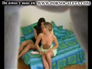 Camara oculta một mi hermana y su amiga parte 1 wwwpornocal