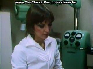 الطبيب fucks جنسي سيدة في ل cabinet