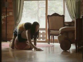 Vai trò chơi (2012) giới tính cảnh