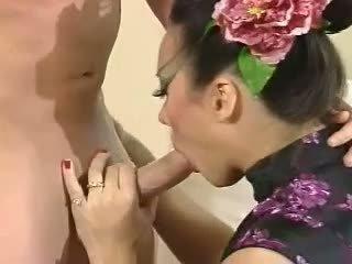 Asia carrera - fucked par dīvāns minēts spermas izšāviens