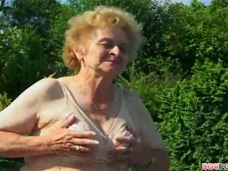 ouder, oma, buiten-