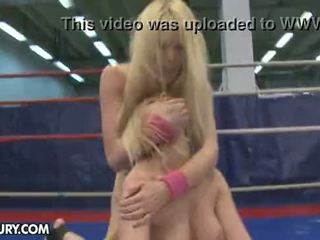 Nudefightclub kingitusi antonya vs sophie moone