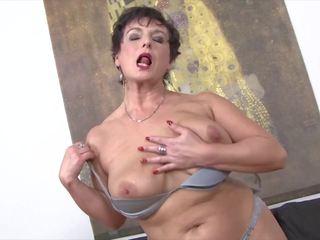 grannies actie, vers oude + young porno, mooi anaal thumbnail