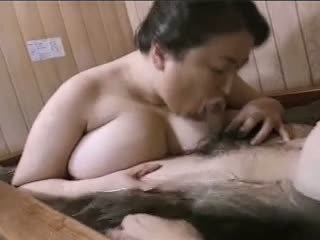 Asijské zralý velké krásné ženy mariko pt2 bath (no censorship)