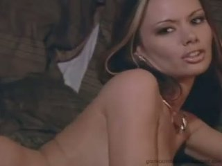 Alluring Crissy Moran feels too hot to handle topless for one horny show